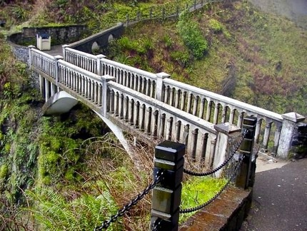 Benson Bridge at the base of Multnomah Falls