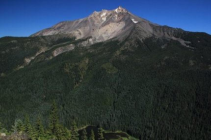 View of Mt Jefferson from Grizzly Peak